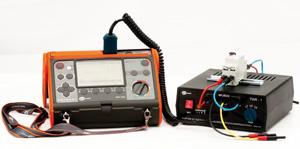 Адаптер TWR-1J подключенный к измерителю MPI-520